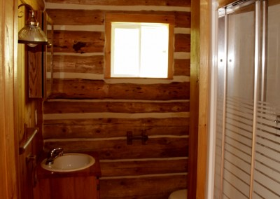 Cabin 5 - Bathroom